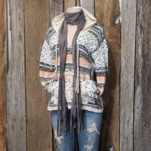 AEO MIXED EMBROIDERED DESIGN & LACE HOOD KNIT!